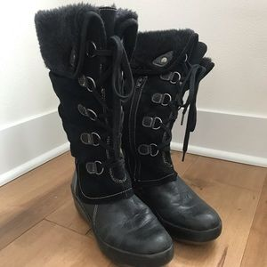 Bare Traps Faux Fur lined winter lace-up boots